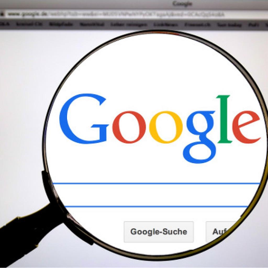 Google con lupa
